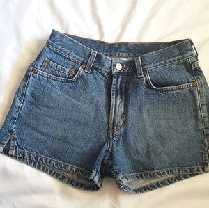 EUC vintage Lucky denim shorts size 4 fit like a 2